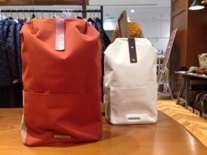 BROOKSバッグ 旅行のお供にいかかですか?