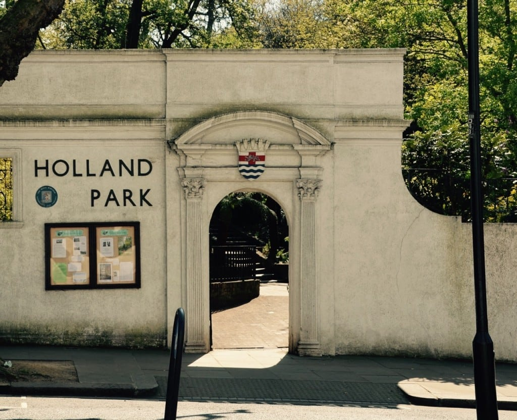 Londonのオアシス Holland park