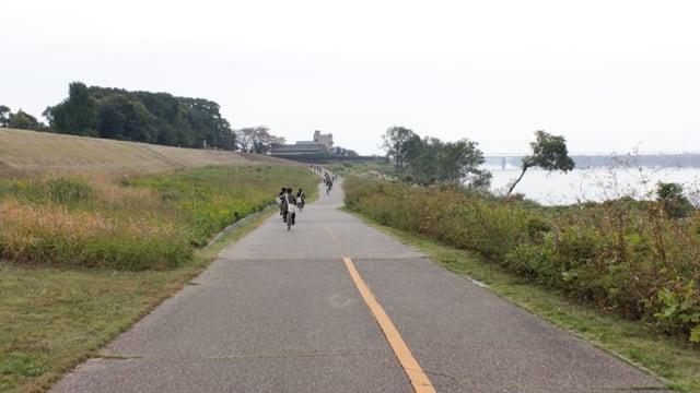 木曽川沿いのサイクリングロード