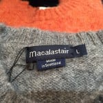 スコットランド製の温かみのあるセーターです!