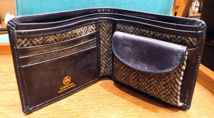 HIP WALLET WITH DIVIDER COLOR : ヘリンボーン×DARK BLUE PRICE : 32,000 + TAX