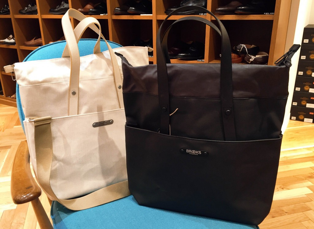 PRICE : ¥47,000 +Tax COLOR : RIGHT・・・BLACK LEFT・・・NATURAL