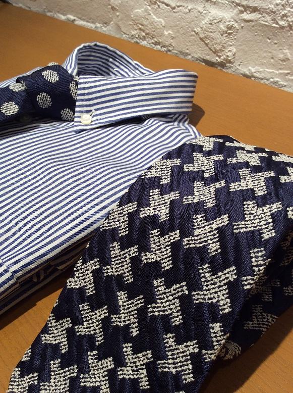 ジャガード織りの凹凸が美しい、、、