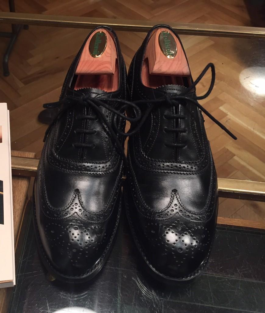 上司に靴磨きを教えていただき、初めて磨いた日の写真です。