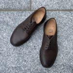 シンプルコーディネートを完成させる上質な革靴とレザーベルト