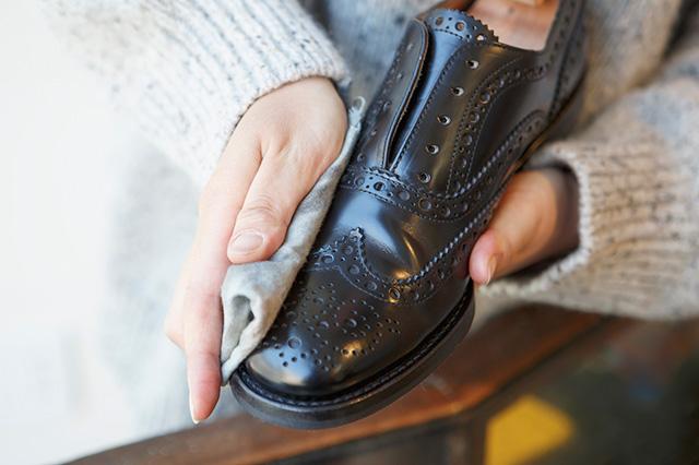 革靴乾拭き