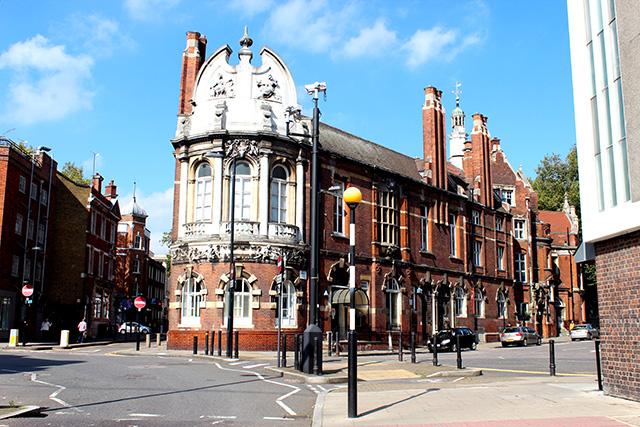 Finsbury Town Hallの外観。