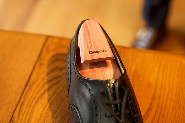 シューキーパーと革靴