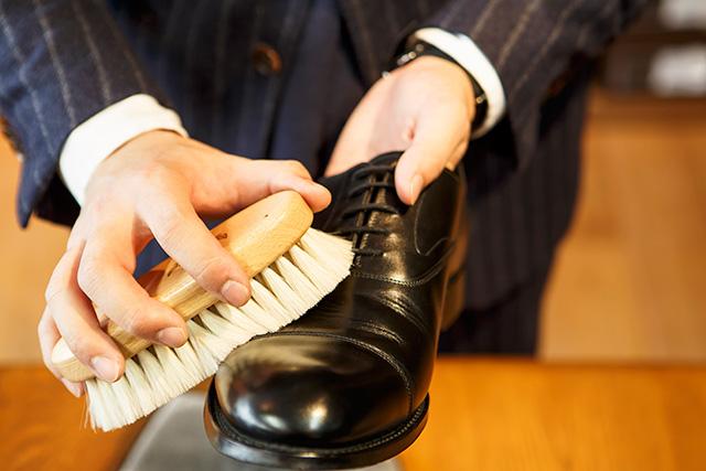 革靴のホコリ落とし