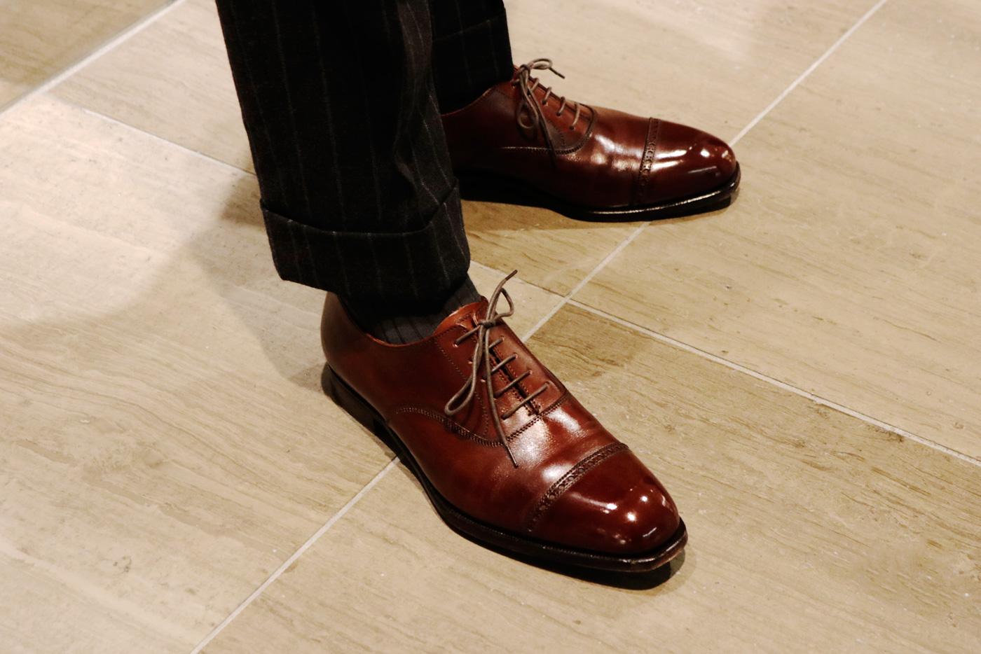 """""""オークルーム/OAK ROOM""""のSteve Hungさん 大会を前に自身の革靴も仕上げていました"""