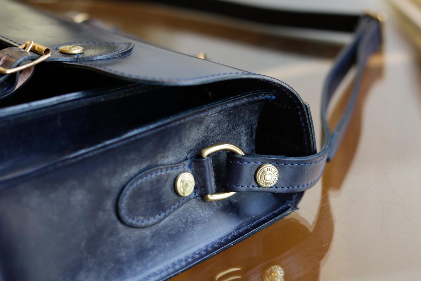 20190327_topics5 グレンロイヤルがブライドルレザーで仕立てた英国ルーツの学生鞄