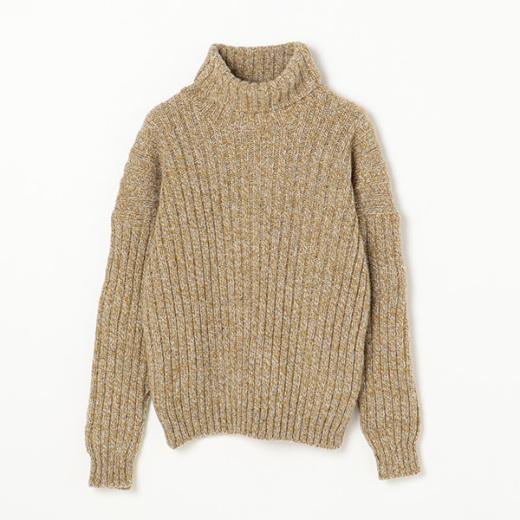 タートルネックニットセーター