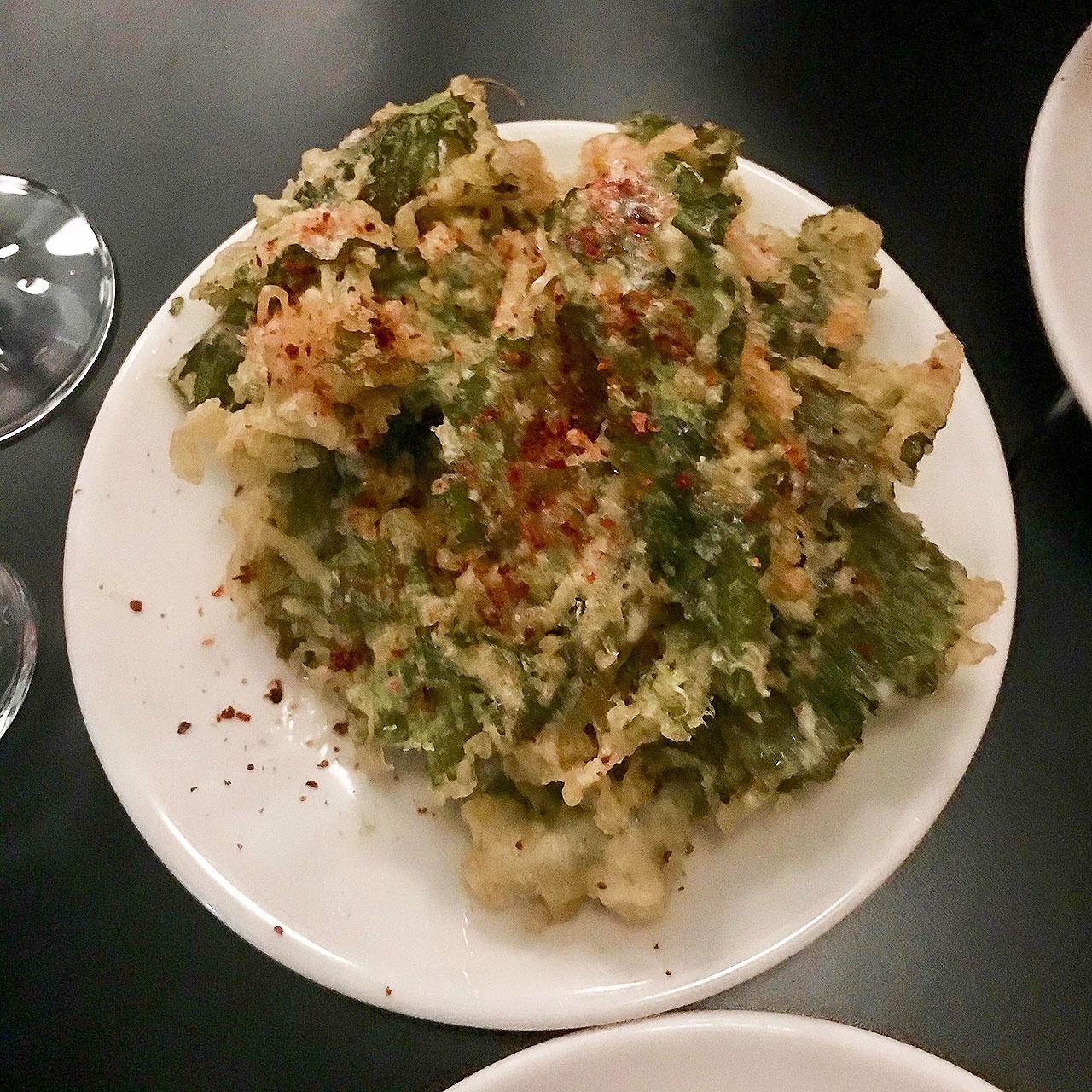 ブロッコリーの葉っぱの天ぷら