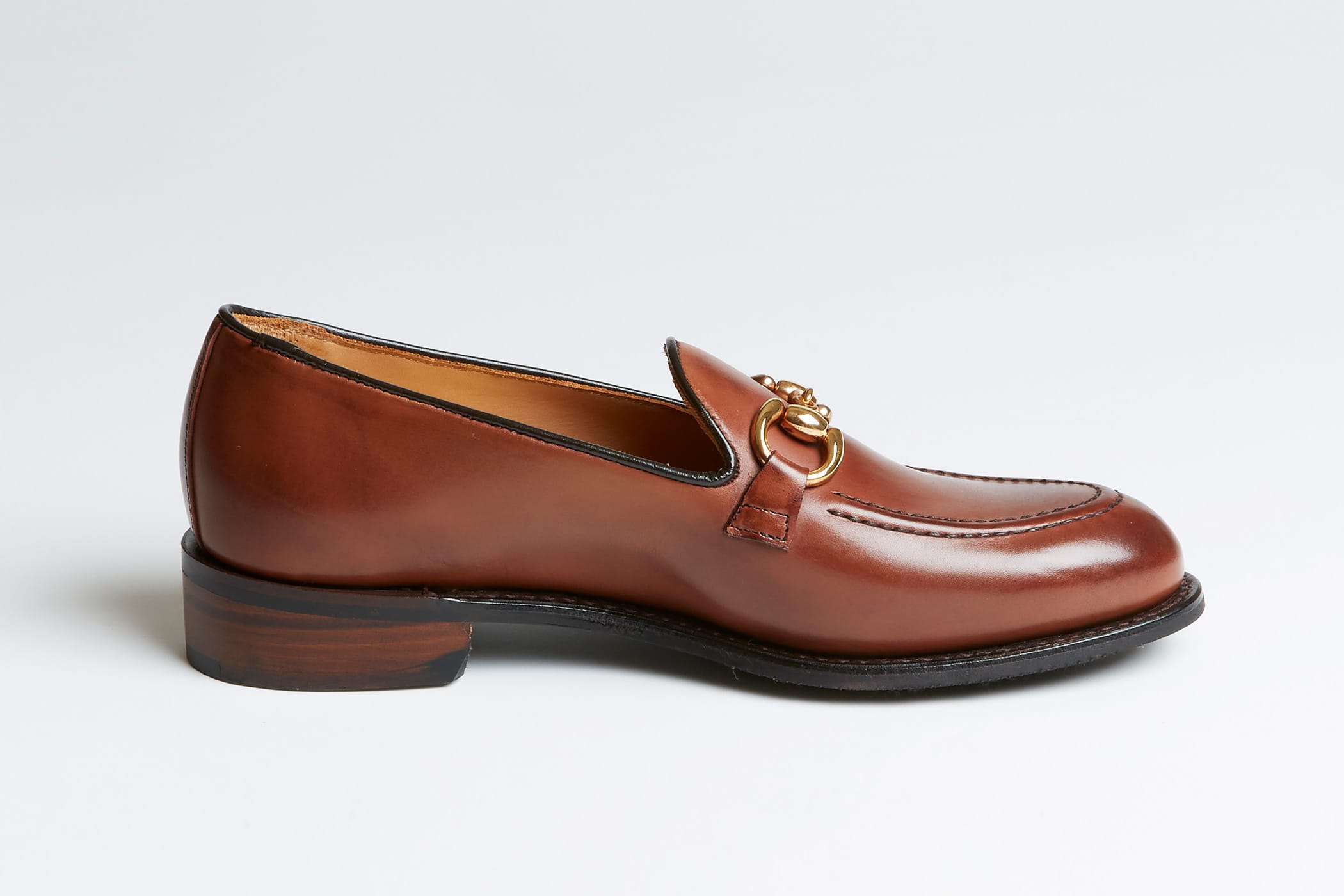 Adapt itself to any BRITISH MADE comment JOSEPH CHEANEY Bitto loafers coordinates, is form slimly