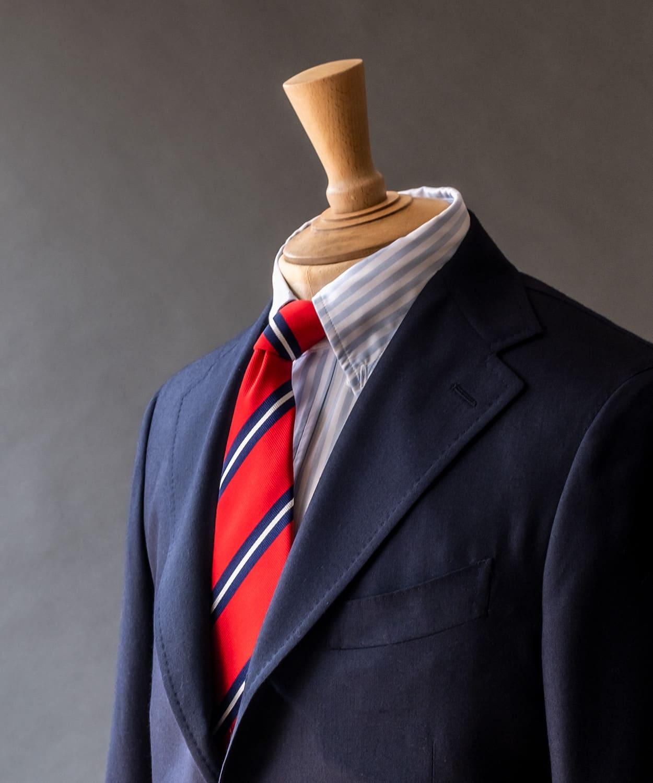 ドレイクス コーディネートの幅を広げる暖色系のネクタイ