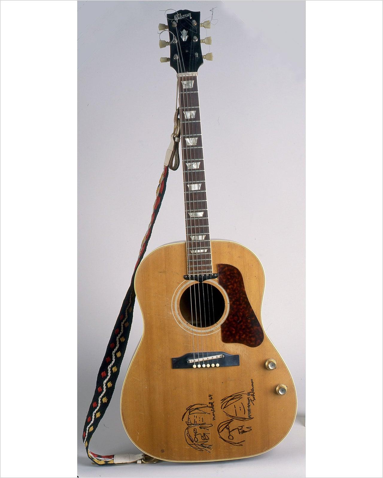ベッド・インの際に使用したジョンのギター