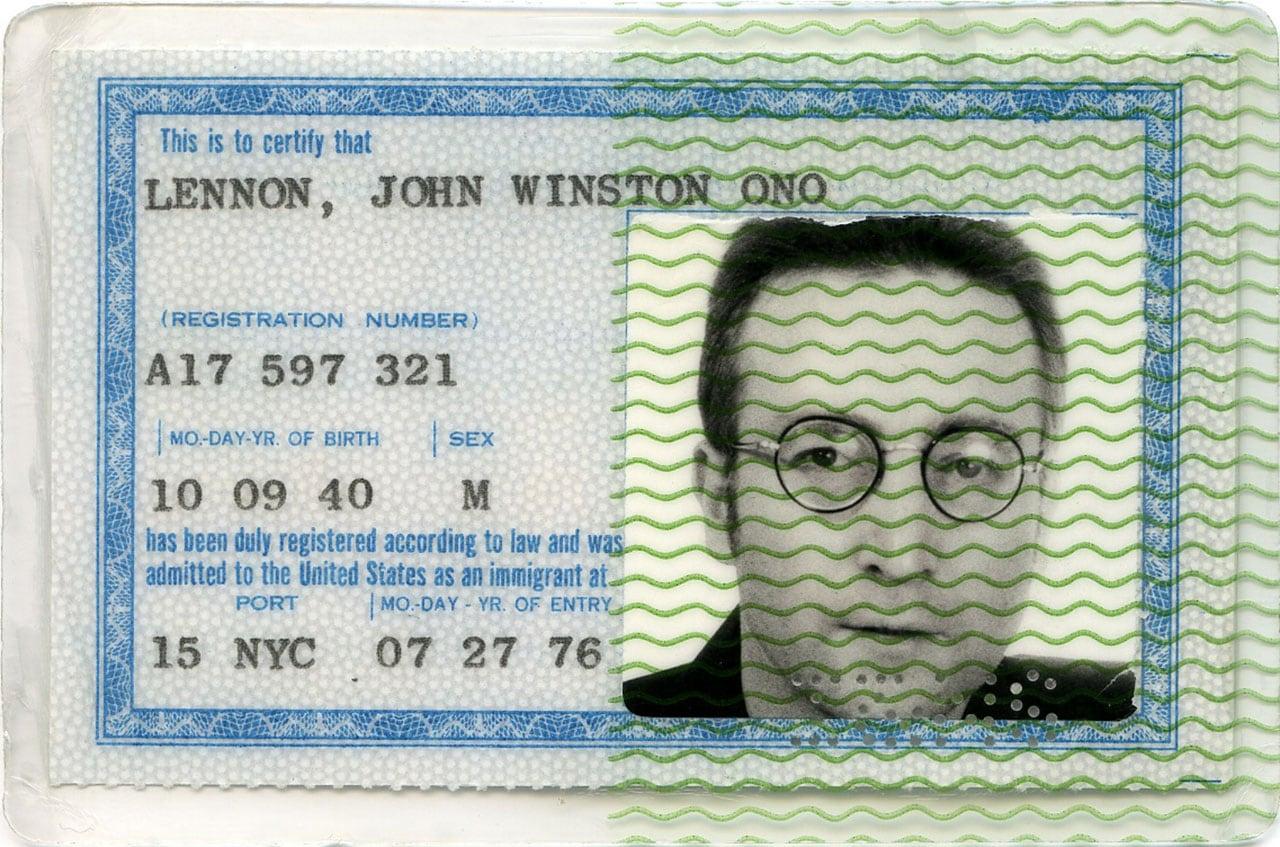 ジョンが苦労して獲得したグリーンカード