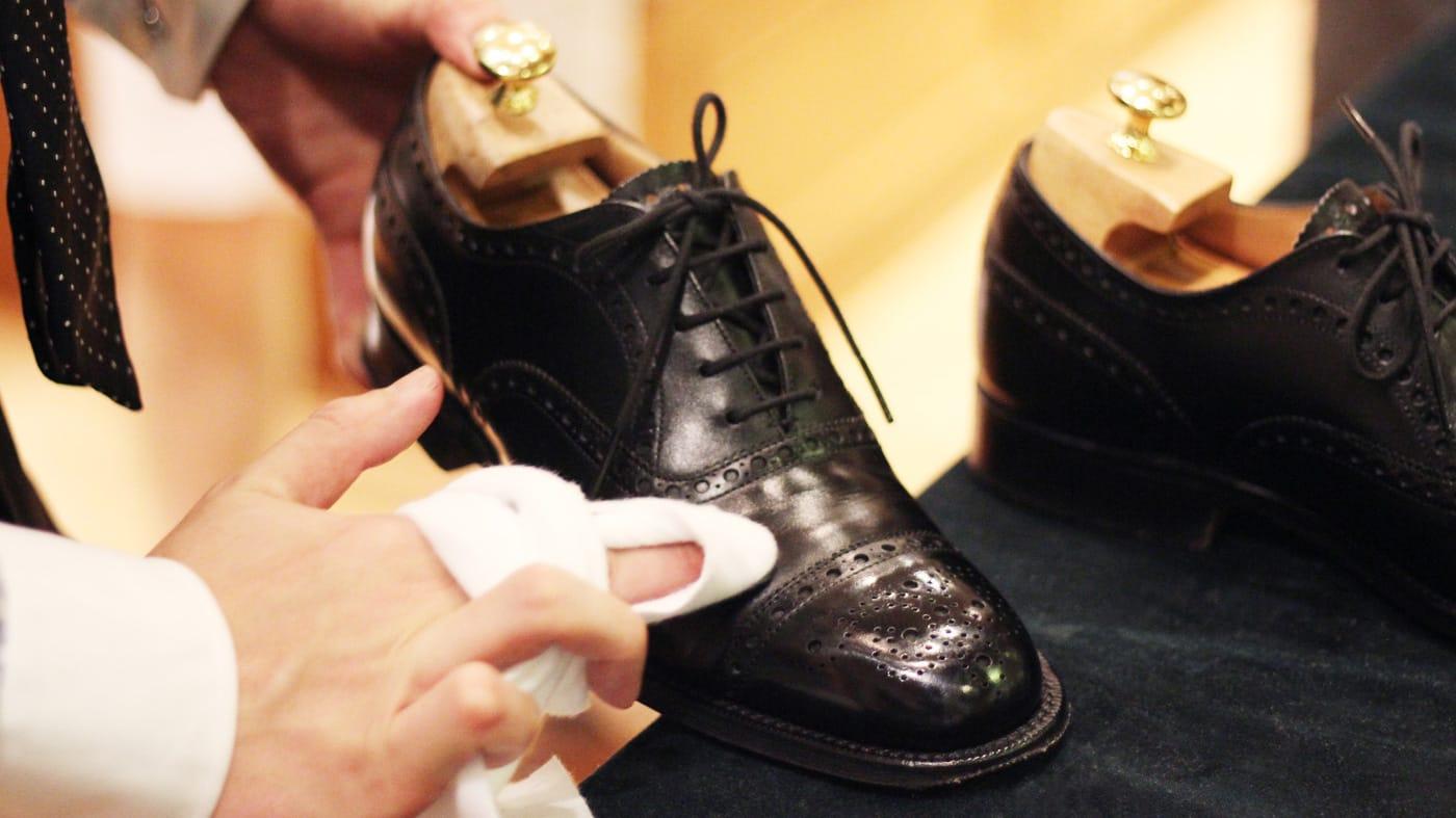 『Y's Shoeshine』杉村 祐太氏に聞く、工程別靴磨きのポイント