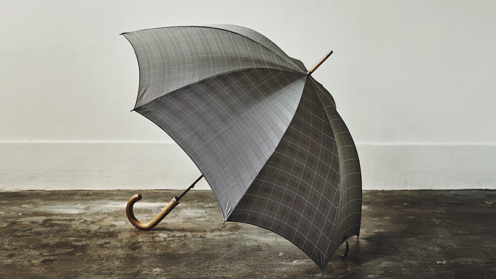 長年愛され続けられるアンダーステイトメントな英国製の傘「フォックスアンブレラズ」