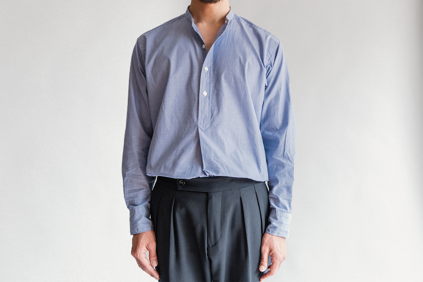 オフィサーシャツ「プリマス」 タックインしても美しいバランスに