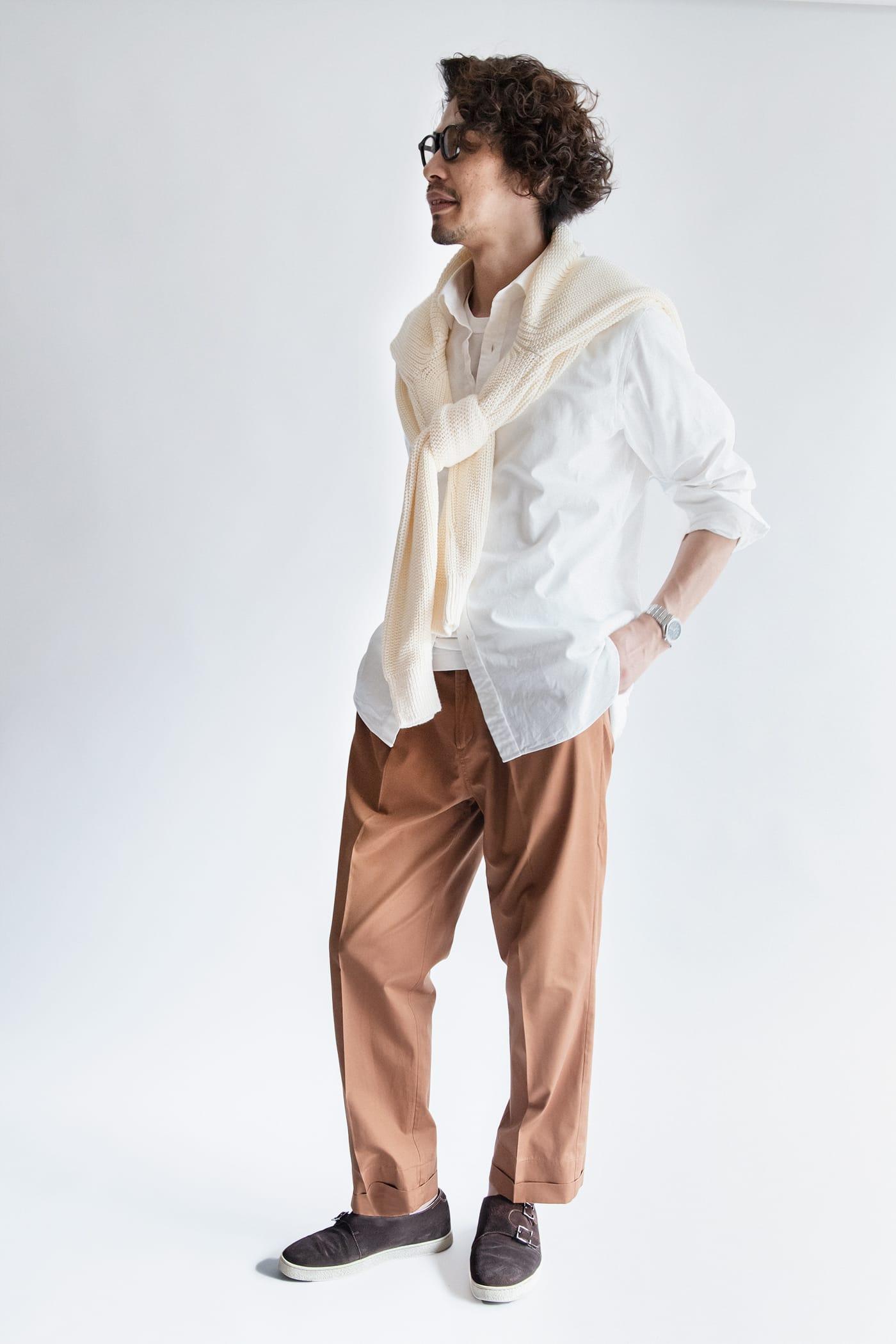 カジュアルシャツ「ブライトン」 スタイリスト四方氏 コーディネート オックスフォードシャツとはひと味違う表情も魅力
